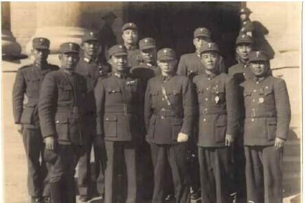 解放战争时蒋介石最精锐部队被全歼原因
