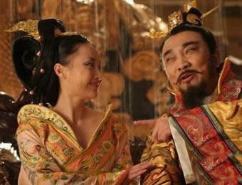 皇太后找人做情夫竟然找到了自己的继子
