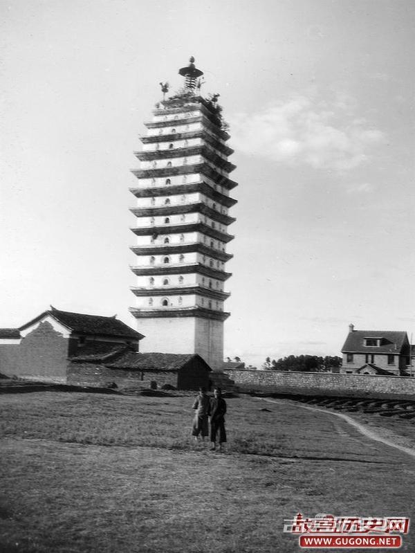 昆明老照片:1920年代末昆明 明建金马碧鸡坊