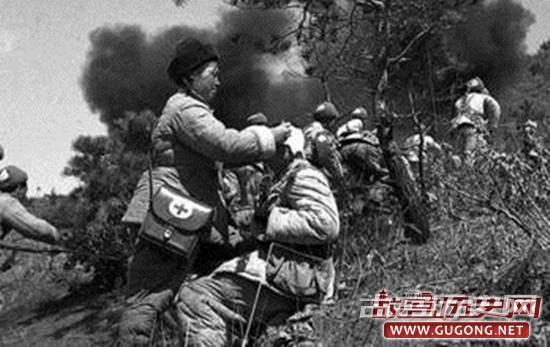 抗美援朝小故事:男女战士相拥而眠
