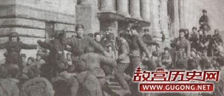 哪支国民党起义改编部队在朝鲜第一个打进汉城?