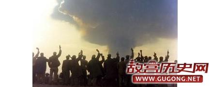 中国第一颗氢弹试爆:飞行员紧张得忘记投弹