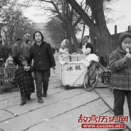 80年代老照片:1980年代北京老照片 车不多,房不贵