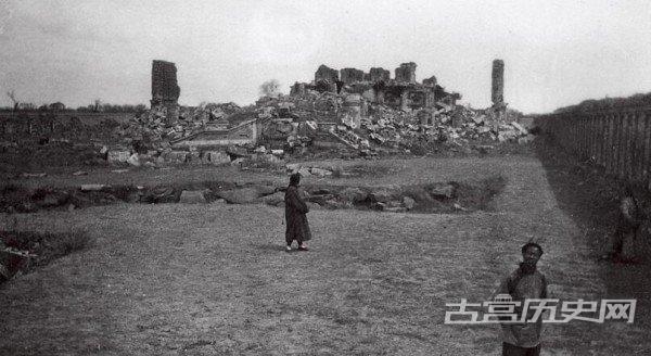 老照片:英法联军大火后,圆明园中幸免于难的几处