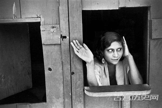 老照片中的黑镜头:上世纪世界各地性工作者群像
