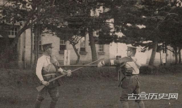 老照片:日军鬼子在训练,难得一见的照片