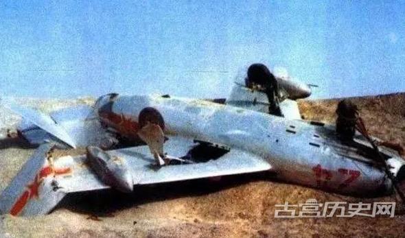 老照片:中国第一颗原子弹引爆图7为爆心场景